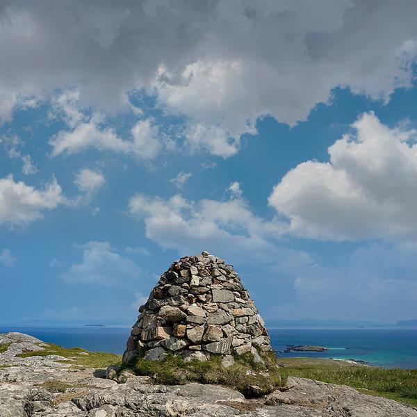 Dun-i-Cairn-cloud-3