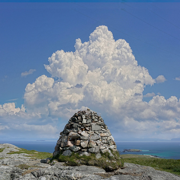 Dun-I-cairn-thunder-cloud.