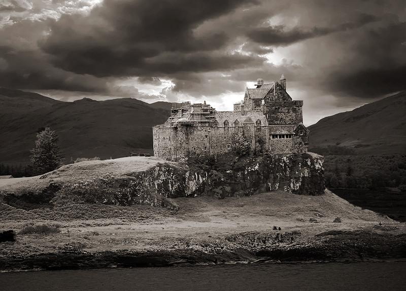 Duart-Castle-BW--