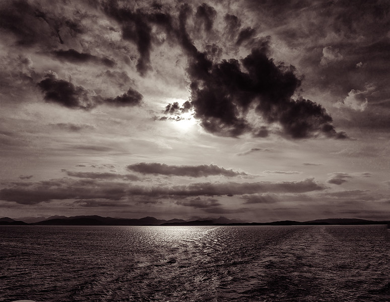 Crossing-to-Mull-