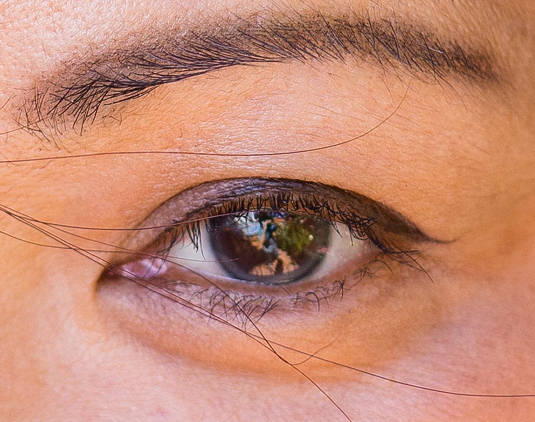 Aimee-eye-detail-90mm