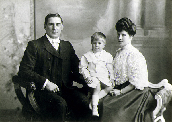 Gausden-and-family