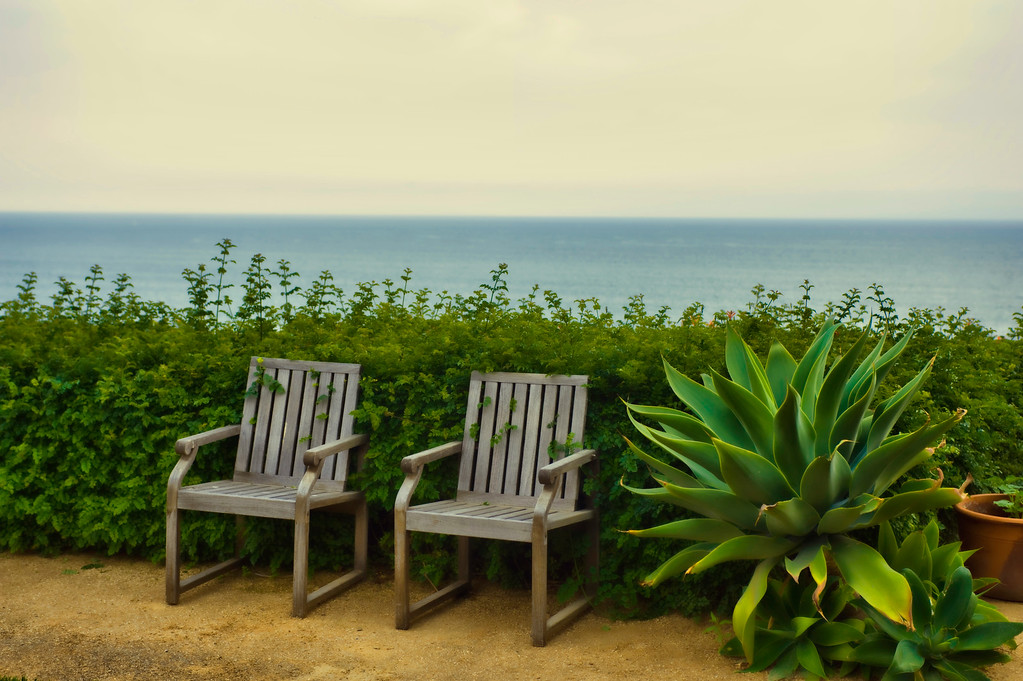 Chairs overlooking the pacific.