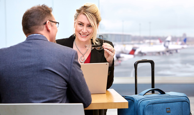 brand-photography-airport-people