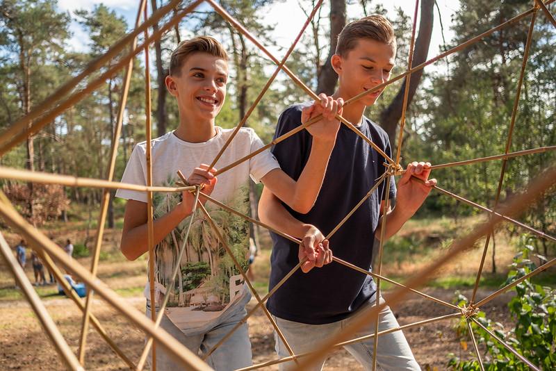 Landal-topactiviteiten-Bamboe bouwen