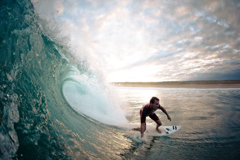 Surfer op een Franse golf