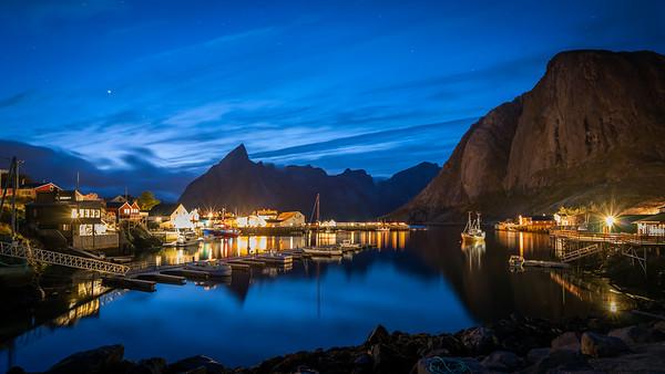 Hamnoy haven met het blauwe uur