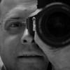 Hallo mag ik me even voorstellen.<br /> <br /> Mijn passie voor fotografie begon al toen ik 12 was. Het gebrek aan financiële middelen heeft mij toen wat dwars gelegen. Maar al van bij de start van het digitale fototijdperk, is mijn passie weer boven gekomen.<br /> <br /> Het begon terug met die traditionele reisfoto's, maar al snel werd ik gevraagd voor die eerste huwelijksfotografie, kwam de vraag naar foto's voor communiekaartjes en geboortekaartjes.<br /> <br /> Wat begon als een hobby, werd al gauw voldoende voor een zelfstandig bijberoep.<br /> <br /> Later ben ik me nog wat meer gaan interesseren voor het fotograferen van concerten en evenementen. Waardoor ik heel wat nationale en internationale groepen heb mogen fotograferen. Tevens ben ik in het bezit van een perskaart.<br /> <br /> Ook heb ik bij de verbouwingen in ons huis 1 kamer omgevormd tot een permanente studio met een witte vinyl achtergrond en meerdere professionele studiolampen.<br /> <br /> Op mijn website vindt u meer voorbeelden van mijn werk. Klik zeker even bovenaan in het menu op Mijn Werk om foto's te bekijken die door mij gemaakt zijn.<br /> <br /> Of het nu voor een bandshoot, een communie, trouw, doopfeest of iets anders is mail me en ik ben er bijna zeker van dat ik je een passend voorstel kan doen.<br /> <br /> Tevens ben ik Canon Profesisonal Network (CPN) Platinium  member wat me vele voordelen oplevert bij onderhoud en herstelling op mijn materiaal. Dit doordat ik fotografeer met professionele fullframe reflexcamera's met lichtsterke lenzen (f:2.8)<br /> <br /> Ook als je nog vragen hebt of extra informatie wil kan je me mailen.