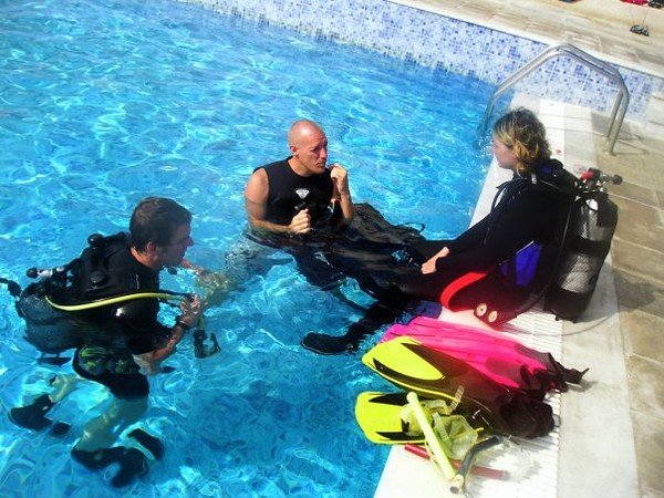 Life as a SCUBA Instructor ( with a shaved head! )