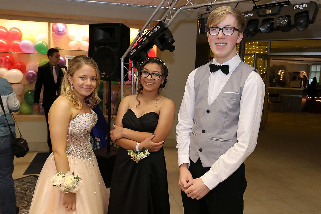 . Scenes from the Sizer School Prom on Saturday, May 19, 2018. SENTINEL & ENTERPRISE/JOHN LOVE