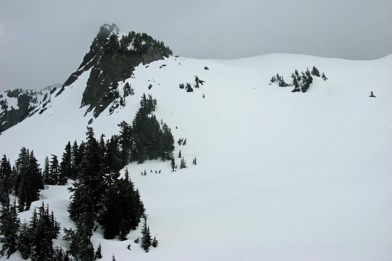 Yellow Aster Butte awaits for the mornign climb