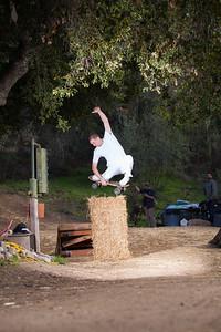 Isreal Forbes - Dirtboard Tuck Knee