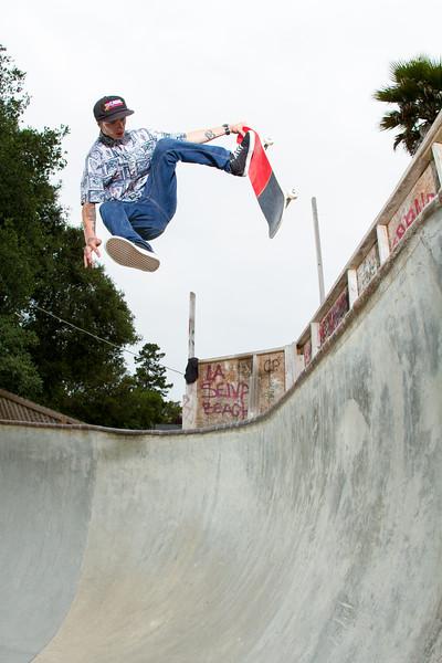 Chad Fenlon - Dog Pisser Fakie