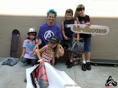Kevin Staab with the kids - Active Skate Shop Demo - Orange, CA - May 7, 2005