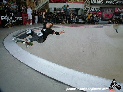 Mimi Knoop - Pro Tec Pool Party Contest - at VANS - Orange, CA - May 14, 2005