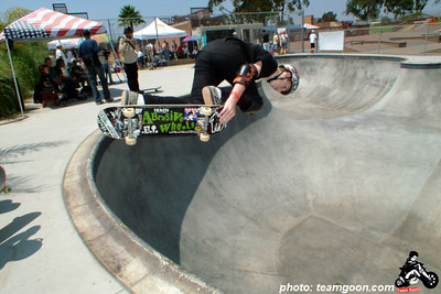 Team Goon skater Nolan - Backside Air - at Mission Valley YMCA bowl - Clairmont Mesa, CA