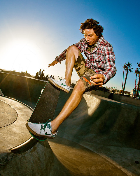 Skateboarder Jesus Esteban @ Venice Beach Skatepark