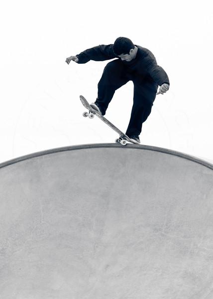 Rent @ Venice Skatepark, Venice Beach California. VeniceBeachPhotos.com