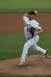 Sugar Land Skeeters Debut Roger Clemens