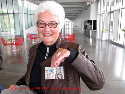 Sue (visiting from California) and her very tiny sketchbook.