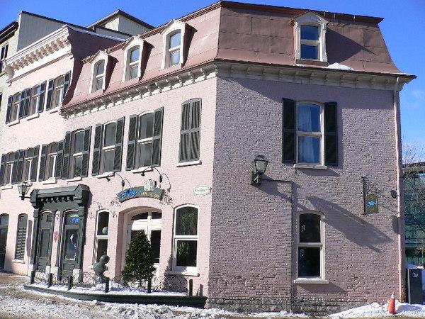 Pink hotel-Vieux Quebec
