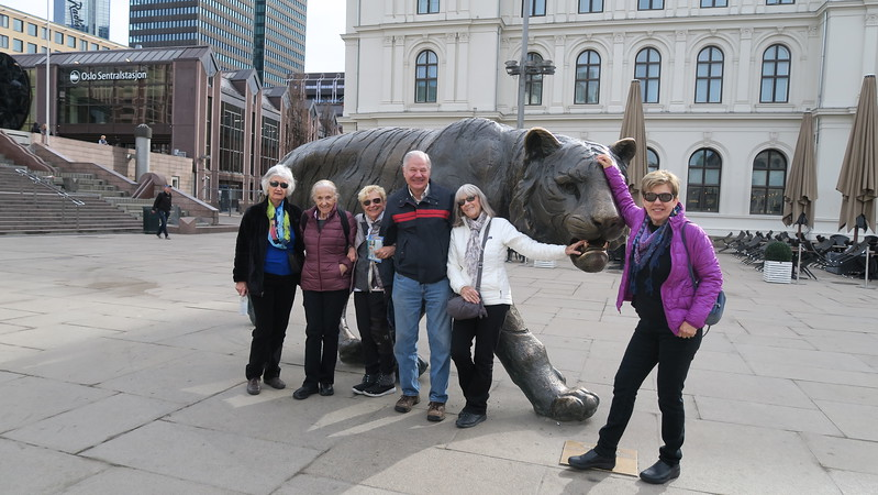 Luella, Marli, Helen, Dave, Liz & Christina