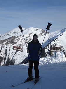 DCW in fine form at the top of one of our red runs .... having trouble finding his gloves ....