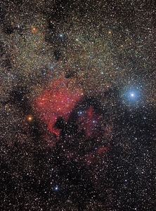 Okolí hvězdy Deneb v Labuti s mlhovinami NGC7000 Severní Amerika a Pelikán - 16.9.2015, Canon 350D full spectrum, Canon 55-250IS @ 130 mm, f/7.1, ISO 800, 43x60 s, dark, flat, bias