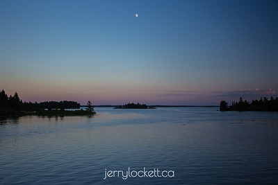 Lac du Bonnet Sky and Moon