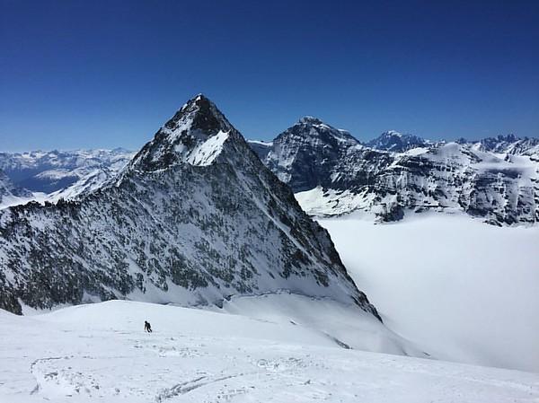 A big day out on Mont Blanc de Cheilon 3827m with @diegocairns