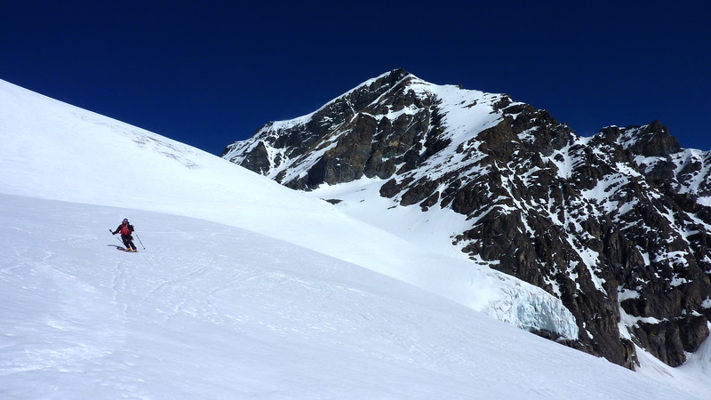 Matt getting in some cheeky bum turns down the Glacier du Mont Durand, approx. 3000m