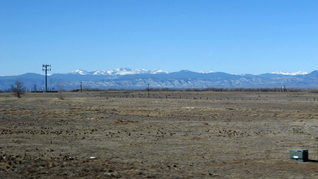 182 Rocky Mtns from plains near Denver