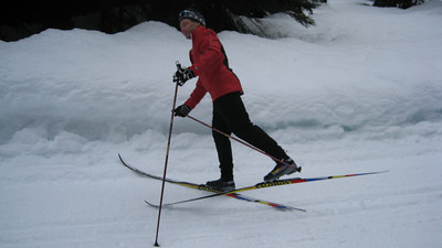 Fall onto your skis.