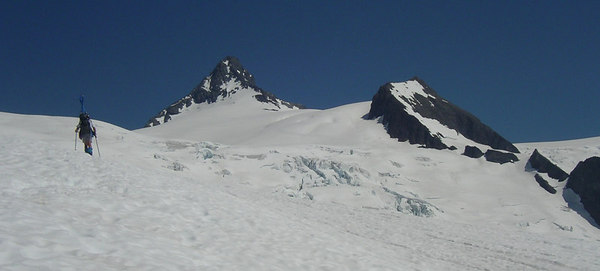 Gettin closer. Sulphide glacier meets the Crystal glacier on the right, very broken up with crevasses. Shuksan summit is still so far away! We are not climbing it today, so no rush.