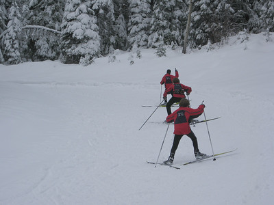 Methow ski team, kids skating, so cute!