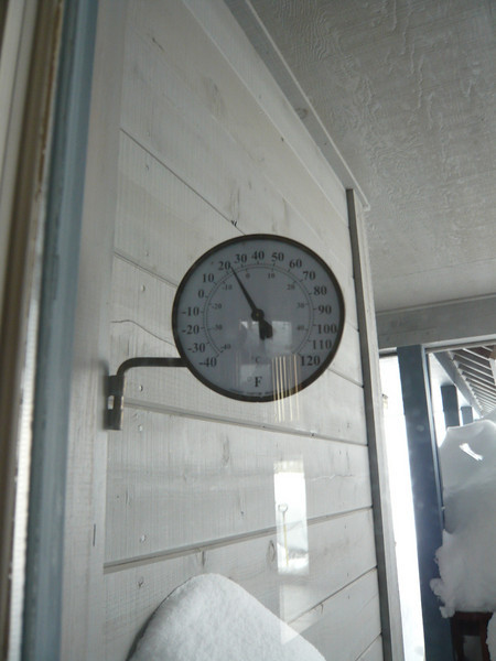 03/22/2011 - Front Door Thermometer