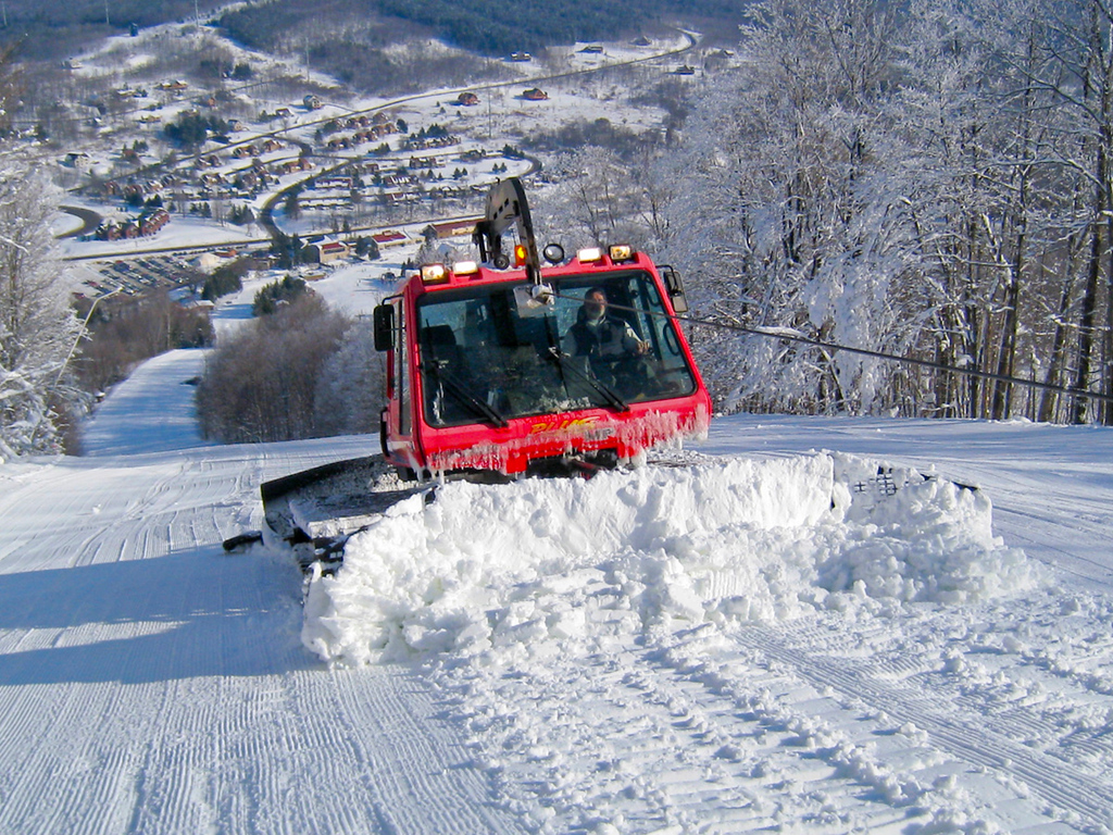 Skiing, Greek Peak Mountain Resort, grooming