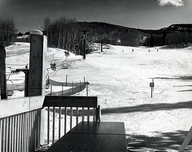 2004-01-391: Telluride Ski School Meeting Place