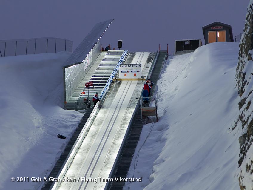 Avsatser og tilløp i nye Vikersund HS225  <i>Start gates and inrun Vikersund HS225