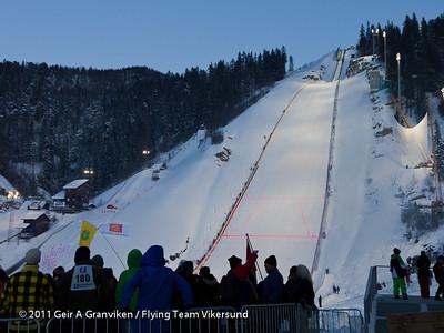Verdens største hoppbakke, Vikersund HS225, hvor allerede første renn resulterte i ny verdensrekord på 246,5 meter!