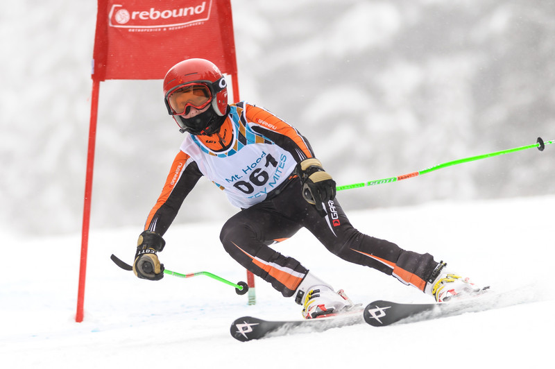 Mt Hood Mitey Mite racers compete at the 2013 Oregon 4-Way GS Race at Skibowl, OR.