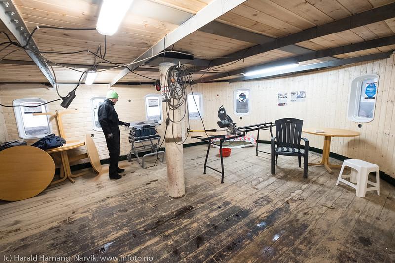 Skogøy under restaurering 4. april 2019