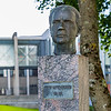 Irma Bruun Hodne, 1993<br /> Natvig-Pedersen var lektor og senere rektor ved St. Svithun skole. Han kom tidlig med i arbeiderbevegelsen og ble medlem av Stavanger bystyre. Fra 1937 til 1953 var han stortingsrepresentant. Fra 1945 til 1948 var han visepresident i Stortinget, og fra 1949 satt han som stortingspresident.<br /> Blant de mange saker han brant for var det norske språk, og han arbeidet målbevisst for samnorsk. <br /> Han kjempet aktivt for at Stavanger skulle få et eget universitet, og ble formann i Universitetskomiteen i 1962.<br /> Bekostet og reist av Stavanger Arbeiderparti i 1993.