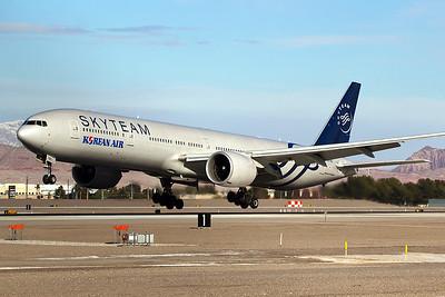 Korean Air Boeing 777-3B5ER HL7783 2-1-16