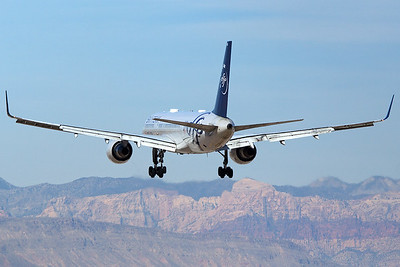 Delta Airlines Boeing 757-231 N705TW 3-18-17