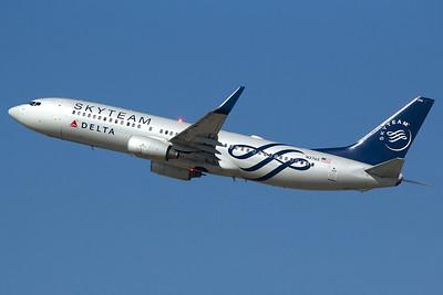 Delta Air Lines Boeing 737-832 N3765 2-12-16