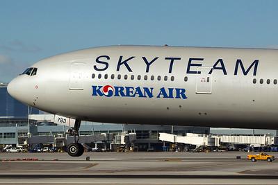 Korean Air Boeing 777-3B5ER HL7783 2-1-16 3