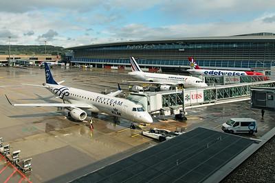 KLM Cityhopper Embraer ERJ-190-100 PH-EZX 10-10-19 2