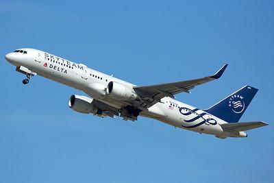 Delta Air Lines Boeing 757-231 N717TW 2-11-16