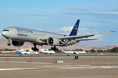 Korean Air Boeing 777-3B5ER HL7783 1-2-17